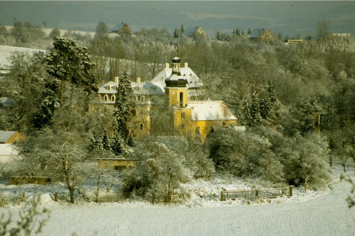 Landschloß Zuschendorf im Winter