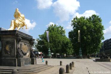 Goldener Reiter und Hauptstraße