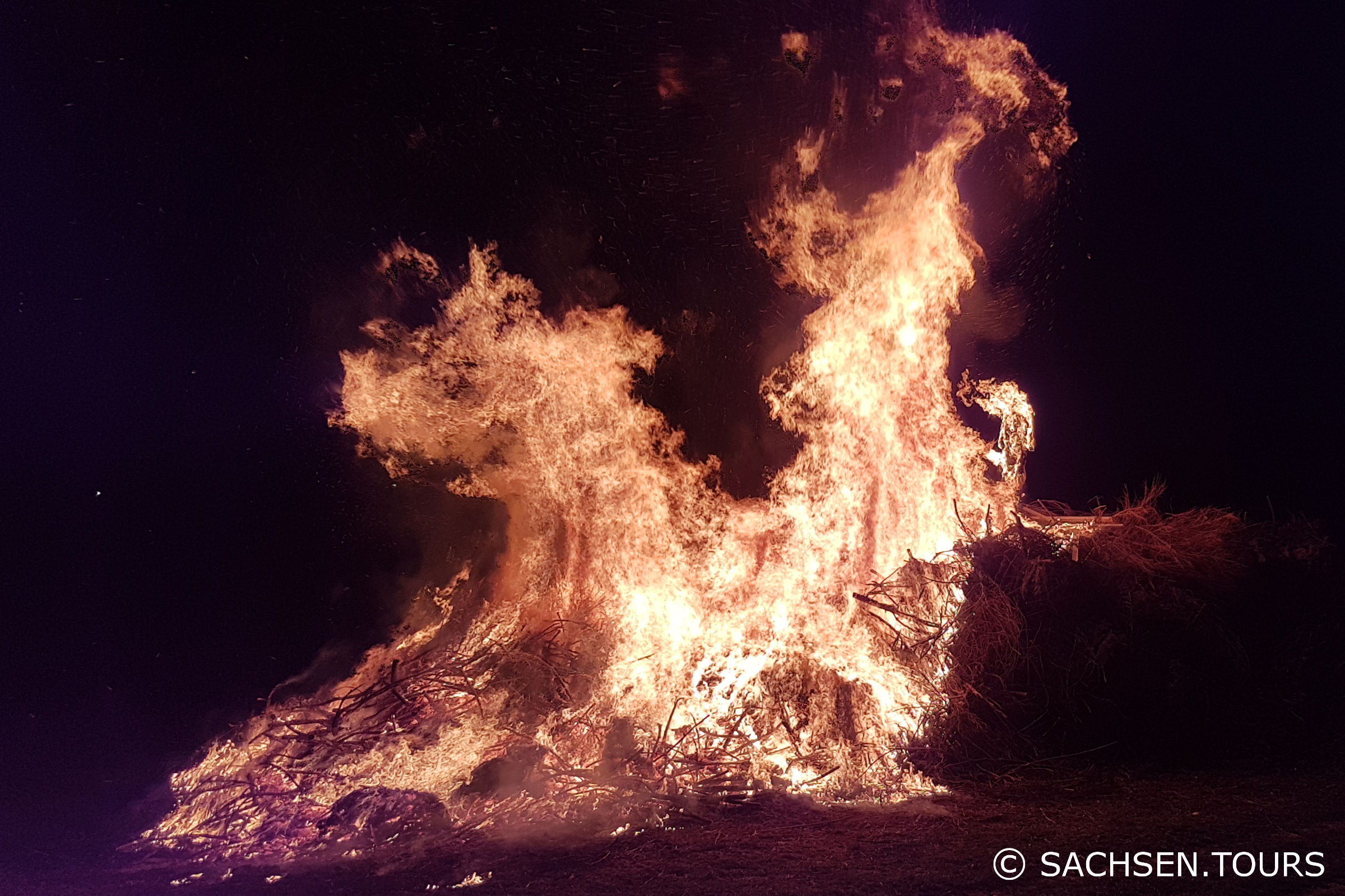 Walpurgisnacht und Hexenfeuer